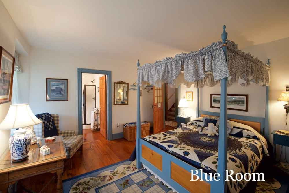 Blue Room at Osceola Mill House Bed & Breakfast